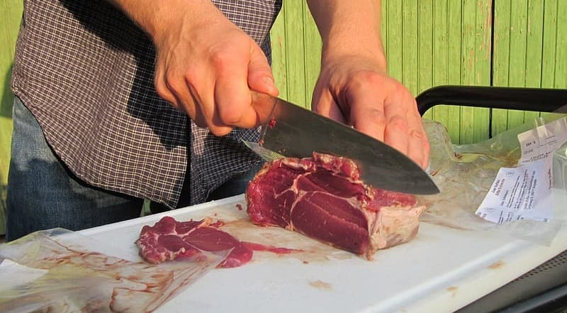 How to slice beef against the grain